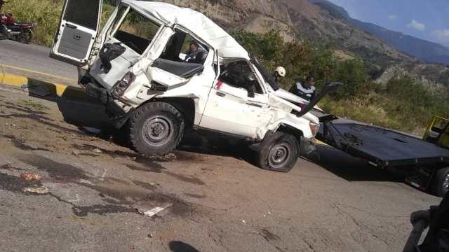 Tres muertos y cuatro heridos dejó vuelco de un vehículo de Corpoelec en Mérida