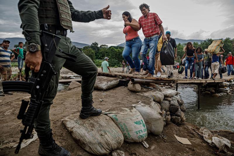Mantas, atún enlatado y fe en Dios: ¿Cómo sobreviven los venezolanos que huyen de la crisis?