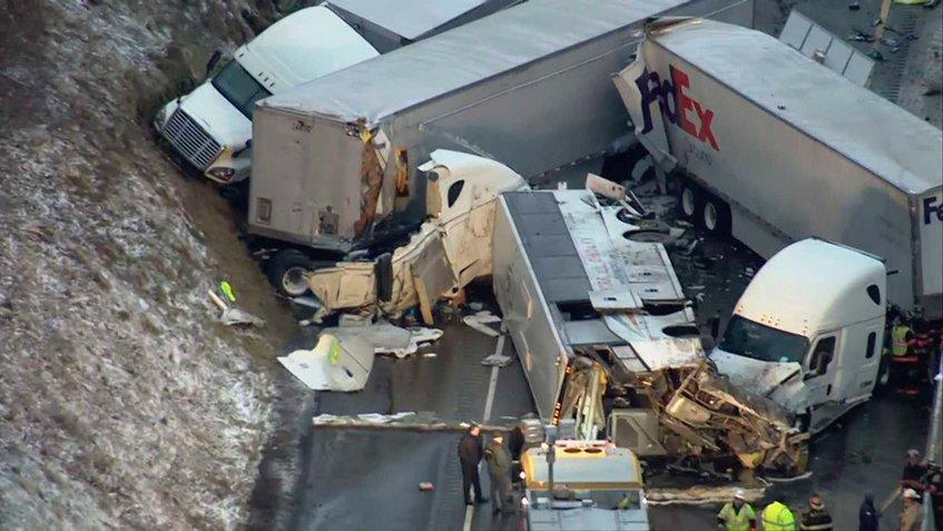 Cinco personas mueren en un aparatoso accidente en una carretera de EEUU