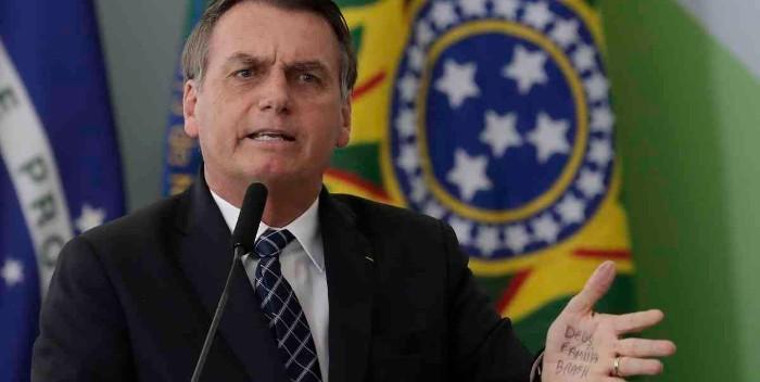 Bolsonaro decreta aumento de salario mínimo por encima de inflación en Brasil