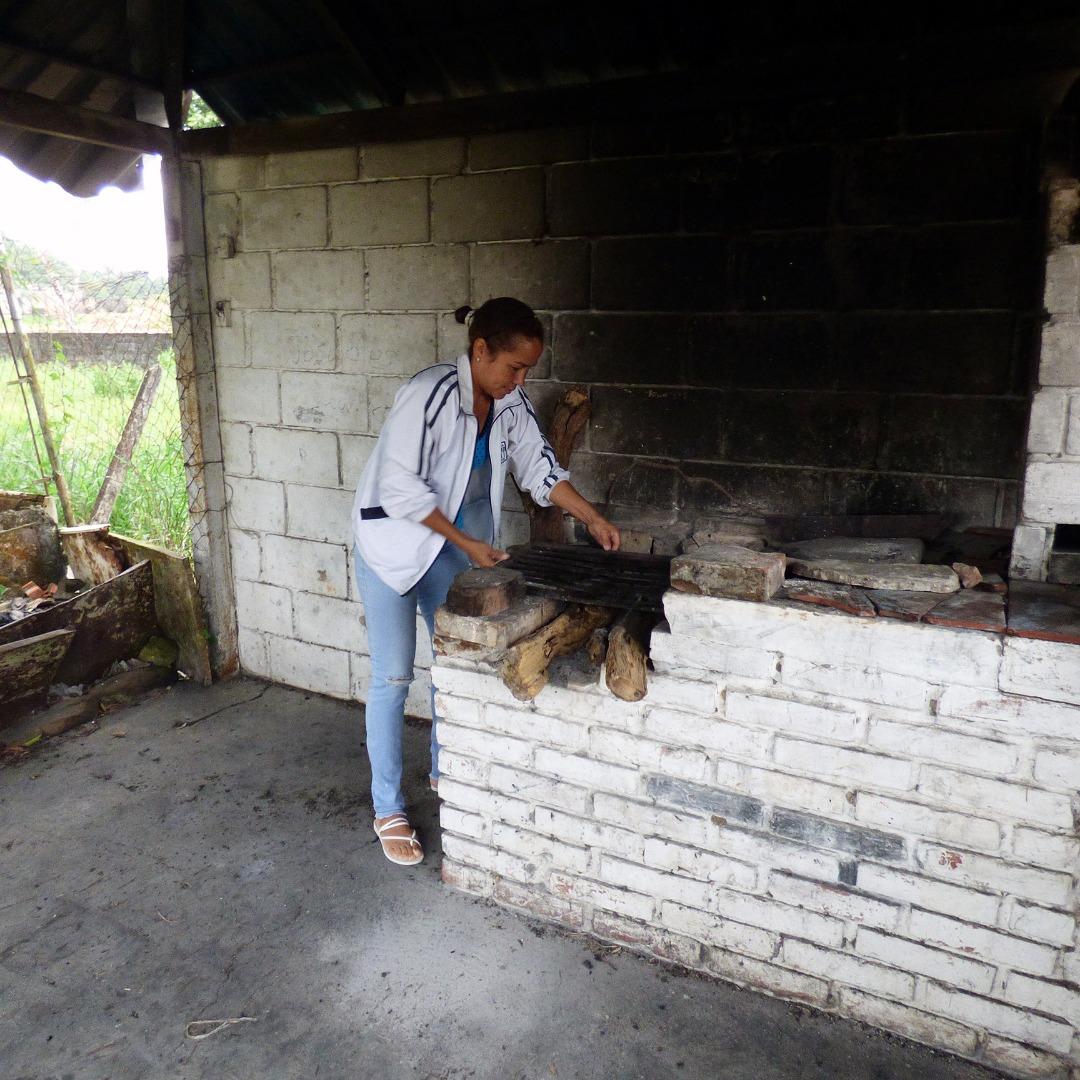 Vecinos sufren enfermedades respiratorias por cocinar con leña