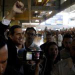 Juan Guaidó llegó a Colombia y se reunirá con Mike Pompeo