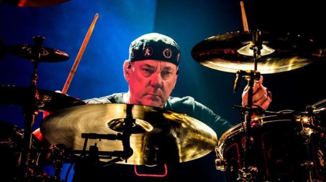 Falleció Neil Peart, emblemático baterista de la banda Rush, debido al cáncer cerebral
