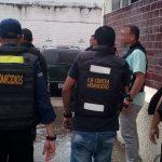 Funcionarios del Servicio Nacional de Medicina y Ciencias Forenses y detectives Contra Homicidios del Cicpc estuvieron presentes en el reconocimiento de los presuntos paramilitares (Foto: Armando Hernández)