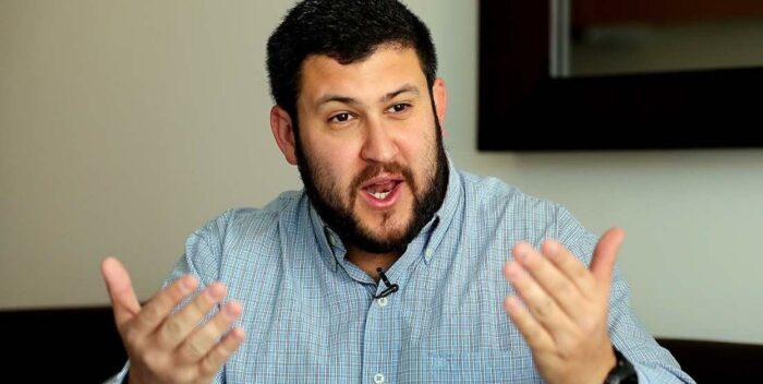 Smolansky: Es ilegal requerimiento de Aruba Airlines a venezolanos
