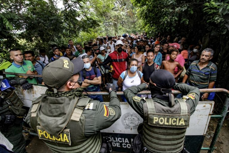 Frontera entre Colombia y Venezuela el pasado fin de semana. Foto: AFP