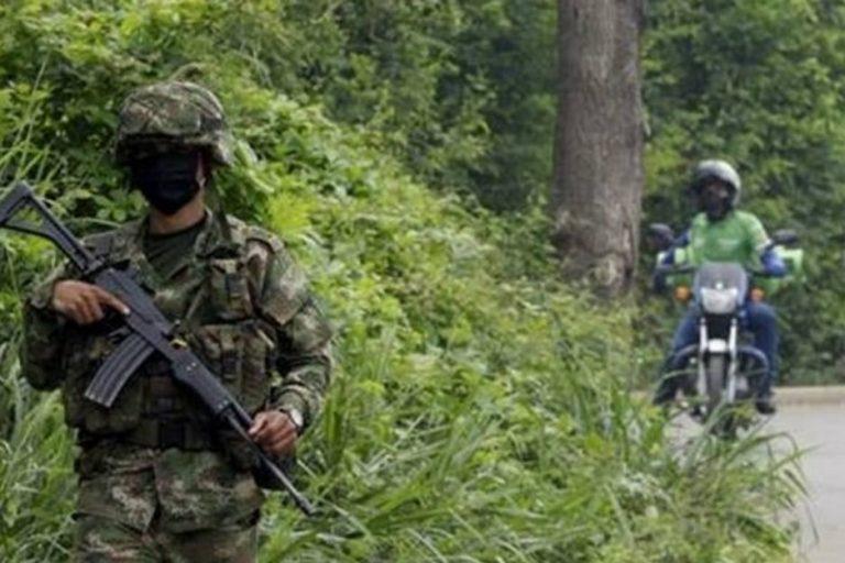 Colombia militariza frontera con Venezuela para controlar las trochas
