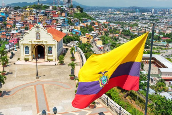Ecuador castigará con cárcel a contagiados de coronavirus que violaron cuarentena