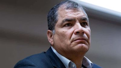 AFP: Justicia de Ecuador condena a ocho años de cárcel a expresidente Correa por corrupción