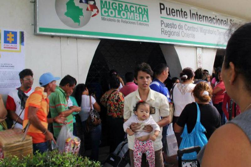 Cuáles son los pasos que debe hacer los migrantes venezolanos para tramitar el permiso de permanencia colombiano