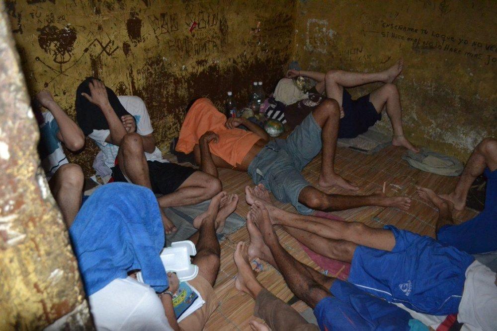 """Los """"pranes"""" y su poder ante la crisis de hambre en cárceles venezolanas"""
